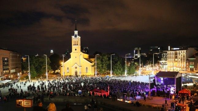 Tallinna tudengite öölaulupidu 11. septembril Vabaduse väljakul.