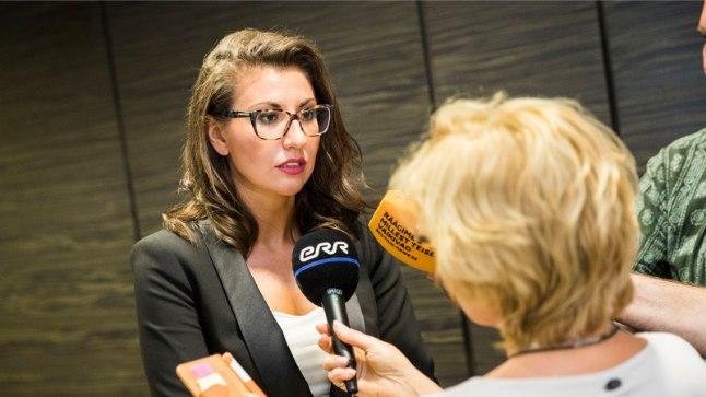OLGA IVANOVA Tags: Olga Ivanova. Edgar Savisaar. Pressikonverents. Swissotel.