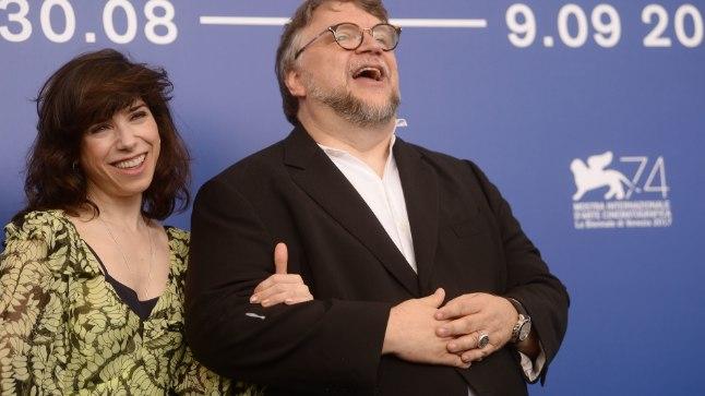 """Guillermo del Toro koos """"Vee kuju"""" peaosatäitja Sally Hawkinsiga."""