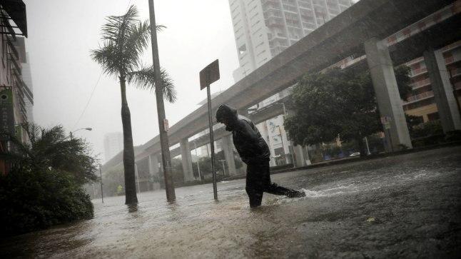 ÜLEUJUTUS: Florida idarannikul Miamis tekitas orkaan Irma suure üleujutuse.