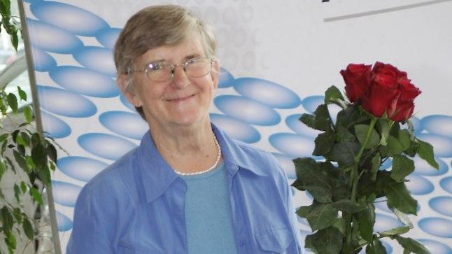 Möödunud sajandi parimale naistreenerile Ebba Lõokesele anti üle Eesti käsipalliliidu aumärk