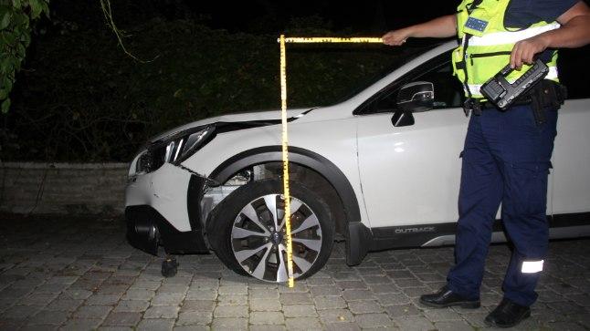 LÕPPENUD POESKÄIK: Kui 1,7promillises joobes Peeter Oja oma valge Subaruga tagasi koduhoovi jõudis, oli auto vahepeal oma peksu kätte saanud.
