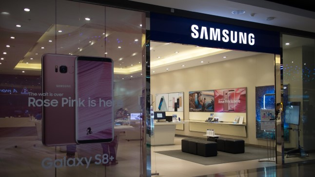 Магазин Samsung в ТЦ в Тайланде