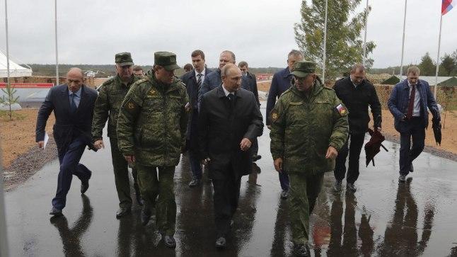 Putin saabus suurõppusele