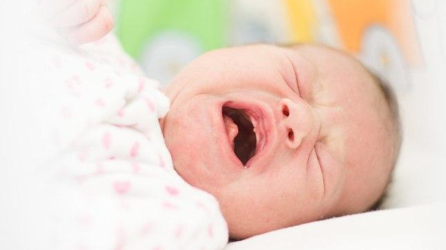ÜKS ELAMATA ELU: ema läks pidutsema ja jättis beebi näljasurma ootama