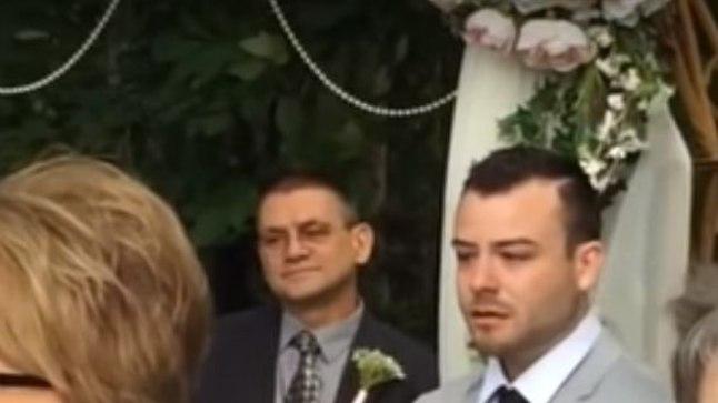 OH SA ÕRNAKENE: vaata, kuidas reageerib peigmees, kui näeb pulmas pruuti sisenemas