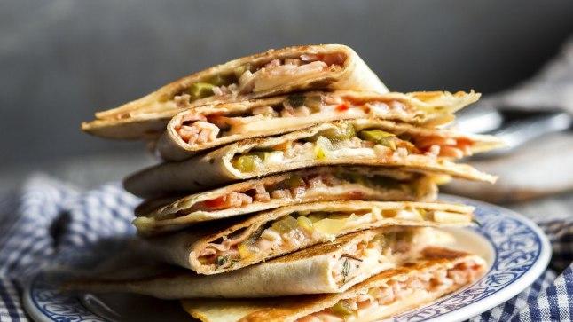 Pitsataskuid on imelihtne valmistada ja need on ka parajalt toitvad, mistõttu sobivad hästi esmase nälja kustutamiseks näiteks pärast koolipäeva või trenni.