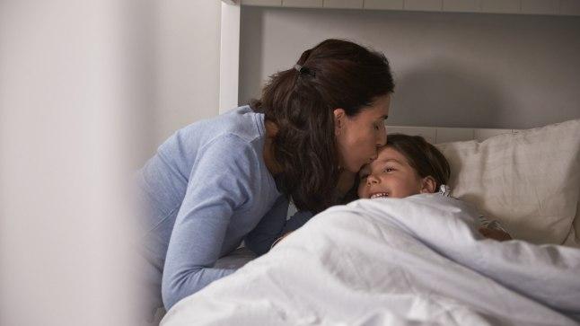 MEHEGA PIDUTSEMA: ema annab lastele allergiarohtu, et lapsed hotellis rahulikult magaksid