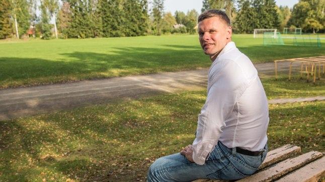 UUE TEE ALGUSES: Antsla staadionilt algas Andrus Värniku tõus odaviske maailmameistriks. Nüüd on ta uuesti lapsepõlveradadel, vaatab elule tagasi ja kiikab ka tulevikku.