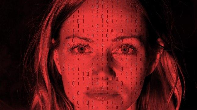 """Mirtel Pohla teatriinstallatsioonis """"Big Data""""."""