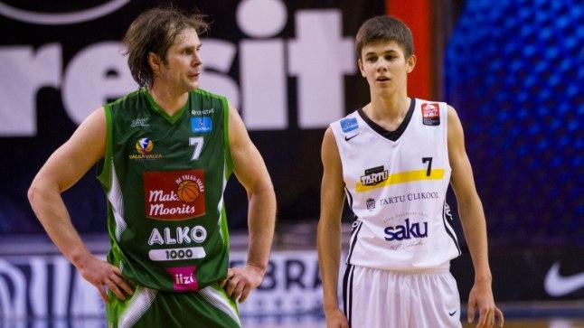 Valmo (vasakul) ja Kerr Kriisa teineteise vastu mängimas.