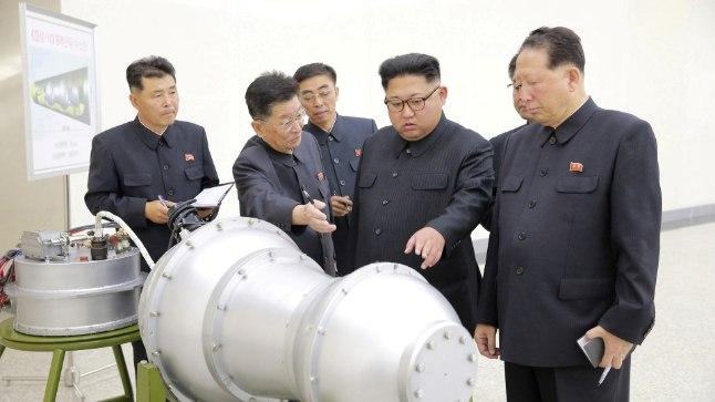 Põhja-Korea sõjakas liider inspekteerimas tuumapommi, mis kasutamine võib muuta ajaloo kurssi ka Läänemere piirkonnas.