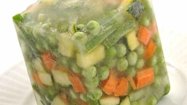 Värskeid sügavkülmutatud köögivilju on lihtne vajadusel üles sulatada, seejuures säilivad viljades ka vitamiinid.