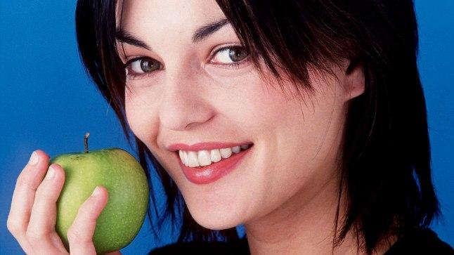 Õunades sisaldub fluoriidi vähendab hammaste lagunemise ja igemehaiguste tekke ohtu.
