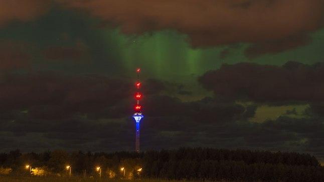 Virmalised Tallinna Teletorni kohal 7. oktoobril 2015.