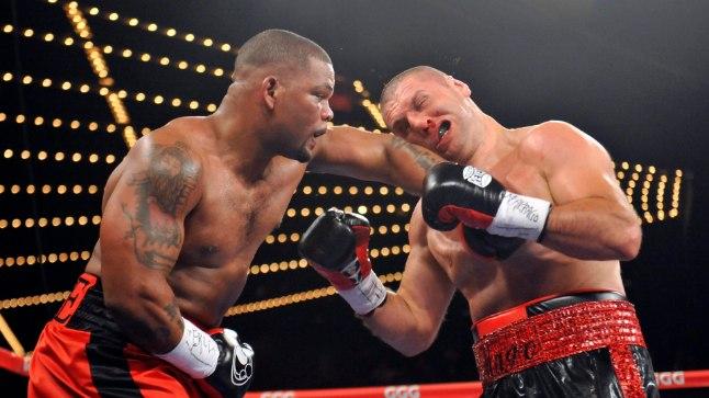 Magomed Abdusalamov (paremal) Mike Perezi vastu.