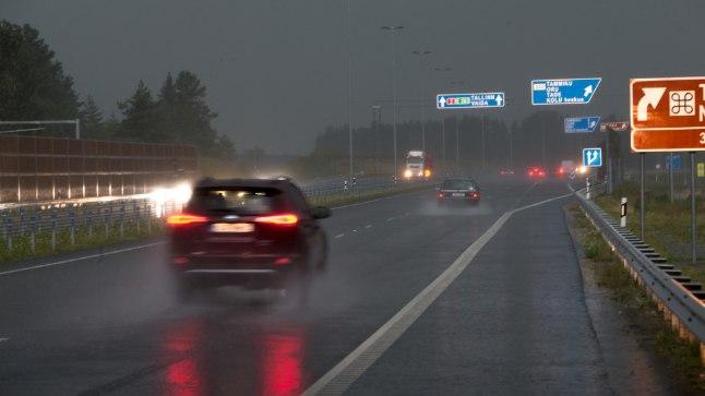 Halvad ilmastikuolud Tallinn-Tartu maanteel. Pilt on illustratiivne.