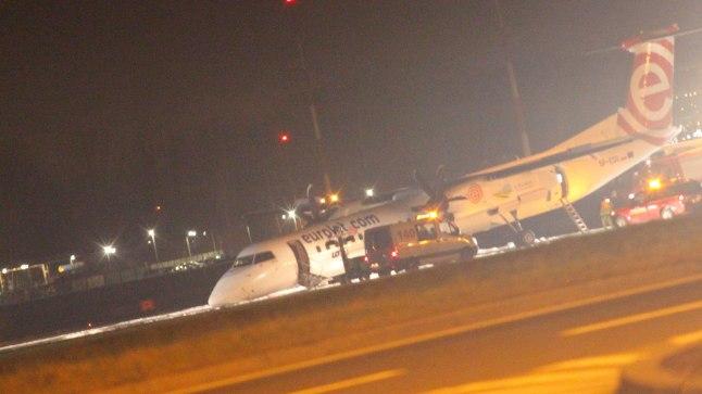 Bombardier Q400 pärast hädamaandumist.