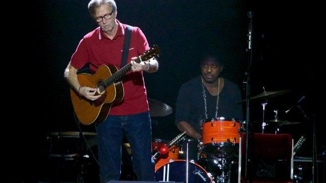 MUUSIKUELU VARJUKÜLG: Laval veedetud aastakümned on kurdistanud mitmeid muusikuid – peale Eric Claptoni (pildil) ka Phil Collinsit, Bob Dylanit ja Neil Youngi.