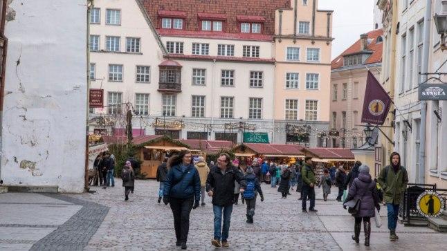 Jõuluturg Raekoja platsil.