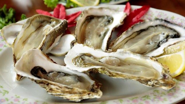 ETTEVAATUST: Austrite söömine võib lõppeda surmaga.