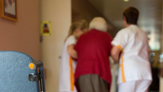 HOOLDEKODU: Kust saada raha hooldekoduarvete tasumiseks, on paljude perekondade jaoks lahendamatu küsimus.