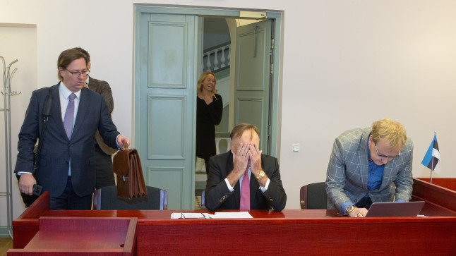 HAGEJATE PINK: Vasakult pankrotihaldur Martin Krupp, vandeadvokaadid Üllar Talviste (ei nuta) ja Jüri-Olavi Luik. Nad tahavad võimalikult palju raha kätte saada.