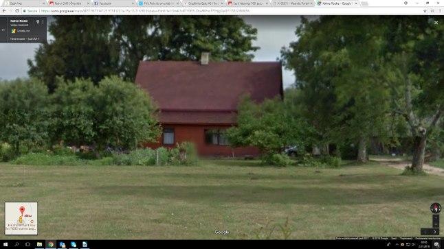 Kinnisturaamatu järgi kuulub emale korter Tõrva linnas ja maalapiga talumaja (pildil), mis väljast paistab kõbus.