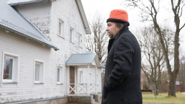 SOTSIAALMAJAS: Illar saab peavarju Annikoru külas sotsiaalmajas, kuid ta loodab, et see on siiski ajutine elukoht.