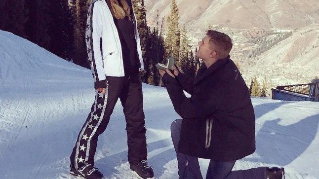 Paris Hilton nimetas Aspenis kihlumist elu romantilisimaks hetkeks.