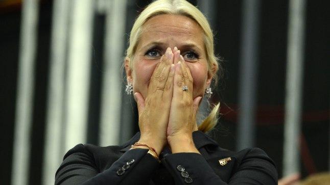 EHMATAV HAIGUSHOOG: Norra kroonprintsi Haakoni abikaasa Mette-Marit pidas peapööritust ja iiveldust varajase menopausi tunnusteks, kuid arstid diagnoosisid tal asendivertiigo.