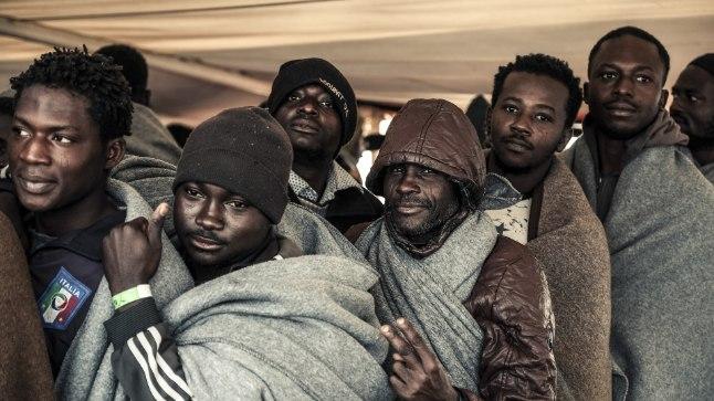 EUROOPASSE: Vahemerelt päästetud migrandid on jõudnud Lõuna-Itaaliasse Trapani sadamasse.