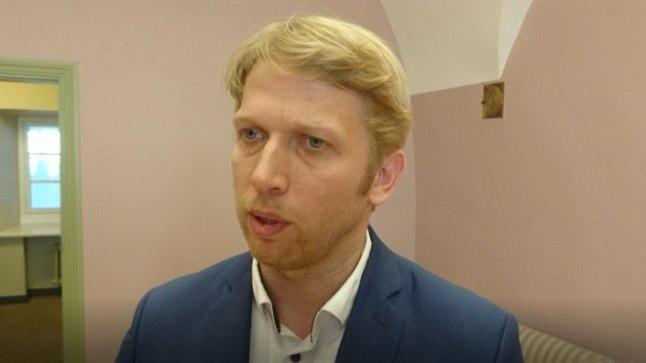 ÕIGUSKOMISJONI ESIMEESJaanus Karilaiu sõnul lasub Danske panga rahapesu juhtum Jürgen Ligi õlgadel, kuigi viimane seda ei tunnista.