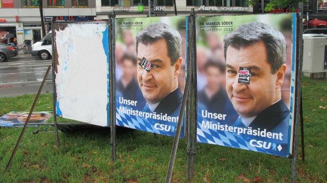 EBAPOPULAARNE: Baieri liidumaa praegune peaminister Markus Söder (51) on CSU kandidaat peaministri kohale 14. oktoobri valimistel. Temaga ei ole aga küsitluste andmetel rahul koguni 64% vastanutest. Rahulolematus kajastub ka tema portreega valimisplakatite rikkumises.