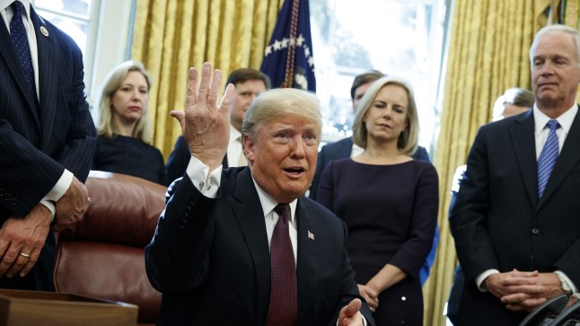 Trump: vastasin kõigile eriprokuröri Venemaa-küsimustele isiklikult!