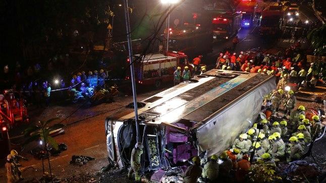 Hong Kongi bussiõnnetuses hukkus vähemalt 18 inimest