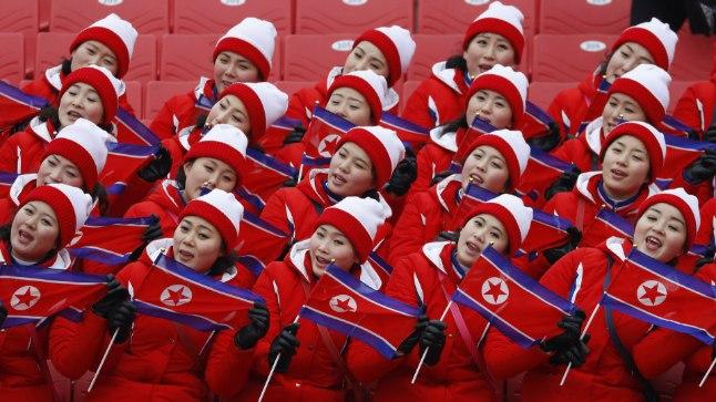 Põhja-Korea tantsutüdrukud on lisaks hokihallile külastanud näiteks ka mäesuusavõistlusi.