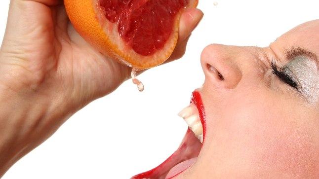 Kuus toitu, mis lõhuvad su hambaid klaaskommidest hullemini
