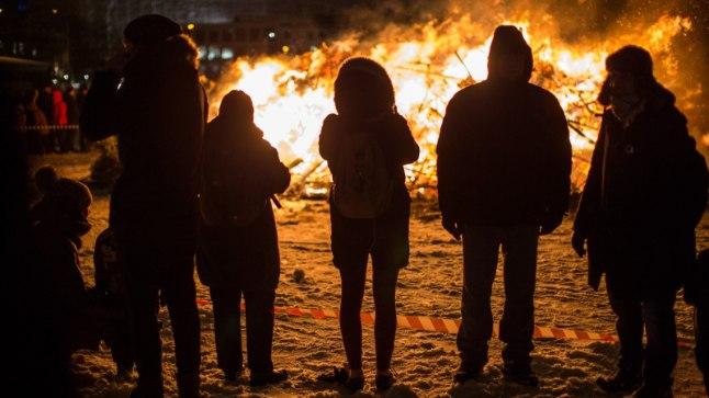 GALERII ja DROONIVIDEO   Kalarannas tervitati maakoera aastat tulega