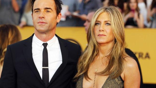 """EDASI VAID SÕPRADENA: """"Oleme kaks parimat sõpra, kes on otsustanud paarina lahku minna, kuid kes ootavad pikisilmi oma armsa sõpruse jätkumist,"""" ütlesid Jennifer Aniston ja Justin Theroux kaks ja pool aastat kestnud abielu purunemisest teatades."""
