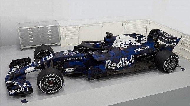 FOTOD   Vau! Red Bulli tuleva hooaja vormel näeb eriti äge välja