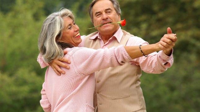 KUNI SURM MEID LAHUTAB? Kuigi armunudolek füüsiliselt igavesti ei kesta, võib pulmadeaegne õndsustunne püsima jääda, kui paar endale õhulosse ei ehita ja mõistab, et ka argipäevased ühistegevused on osa armastusest.
