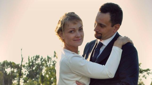 ARMUSID HETKEGA: Muusikainimesed Annikki Aruväli (32) ja Edoardo Narbona (42) tutvusid seitsme aasta eest dirigendist Edoardo korraldatud meistrikursustel. Piisas vaid ühest sügavast silmavaatamisest ja mõlemad olid võlutud. Esimesed sõnad julgesid nad vahetada aga alles pärast paaripäevast pilkudemängu.