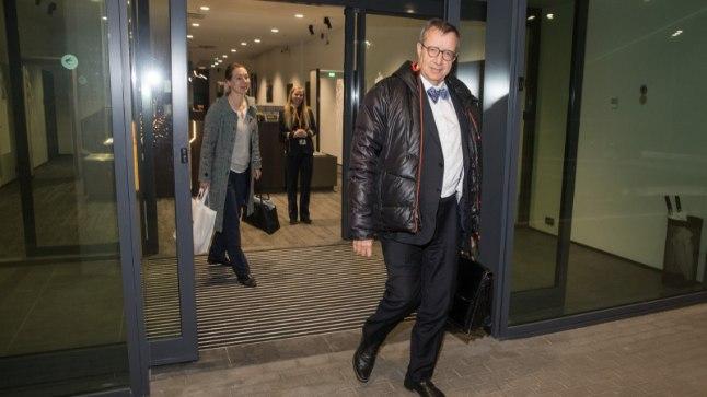 President Toomas Hendrik Ilves saabus Tallinna lennujaama