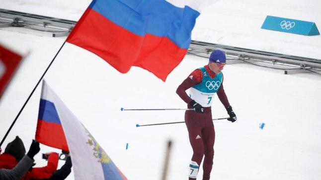 Hõbedale tulnud Aleksander Bolšunov 50 km klassikamaratoni lõpus.
