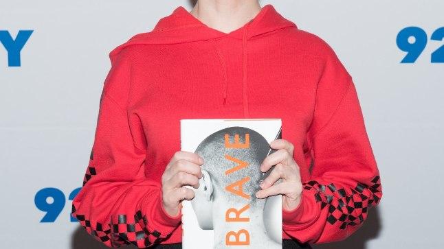 Rose McGowan on kirjutanud oma katsumusterohkest lapse- ja noorpõlvest raamatu.
