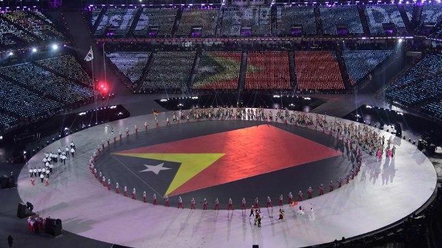 Ida-Timori delegatsioon Pyeongchangi olümpia avamisel.
