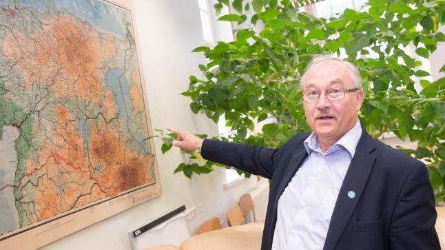 LÄHEB RASKEKS: Professor Ülo Mander räägib, et Emajõe äärde suure tehase rajamine on mitmel põhjusel väga keeruline ja väga kallis.