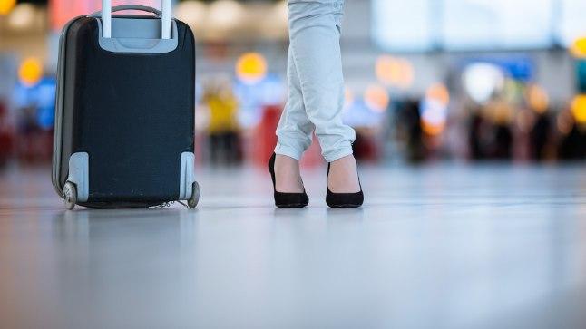 VÕIB LÕPPEDA TRAAGILISELT: inimesed haaravad lennukis ohuolukorras oma pagasi kaasa