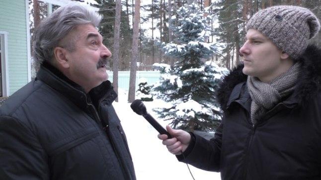 Altkäemaksu nõudnud järelvalvaja Fjodor Sokolov  selgitamas ajakirjanik Jüri Butšakovile, miks ta raha küsis.